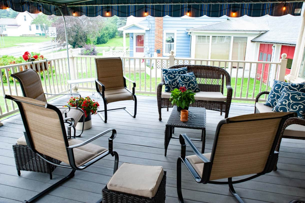 Front Deck-seating
