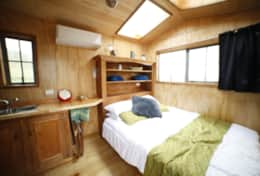 Dorper Sheppard Hut Queen Bed