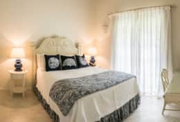Exclusive Private Villas - Sandalwood House (BR126) - Cottage Bedroom