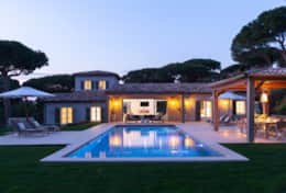 Luxury villa for rent in Les Parcs de Saint Tropez