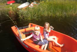 K39 Thistle Cottage - SWESCOT have boats & canoe that guests can borrow to fish or explore the lake