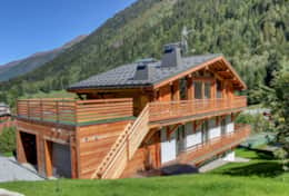 The chalet is nested in a beautiful corner of Chamonix Valley.
