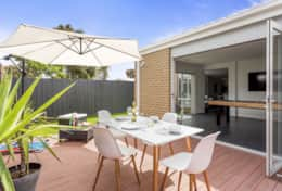 The Modern Peninsula - Alfresco Dining - Good House Holiday Rentals