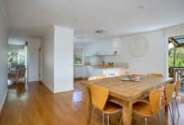 Coonawarra Open Plan Beach Living - Good House Holiday Rentals