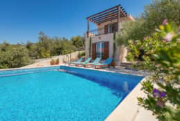 Exclusive Private Villas, 3 Bedroom Villa in Milna (CRO108)