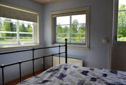 K39 Thistle Cottage – Bedroom 1 has lots of light and has views over grazing animals