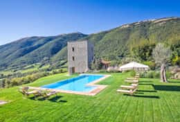 Villa-with-amazing-viewMurlo-Villa-Torre-Michel