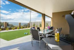The Sandcastle - Alfresco Dining - Good House Holiday Rentals