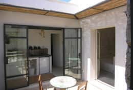 Calma Guest House - courtyard with dining area and access to the kichnette - Muro Leccese - Salento