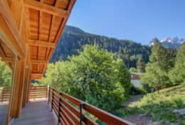 Large balconies enables you to enjoy the beautiful Alpine surroundings whatever the weather.