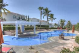 With rental of Neptuno you have access to the community pool
