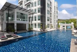 The big swimming pool inside Kamala Regent