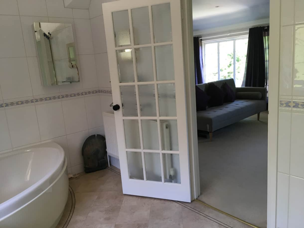 Master Bedroom En Suite Bath