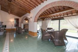 Holiday-in-Tuscany-Poppi-Villa-Borgo-Bibbiena (23)
