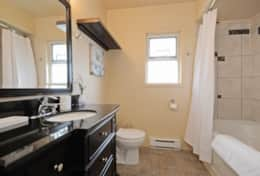 Upper-Bathroom with Soaker Tub