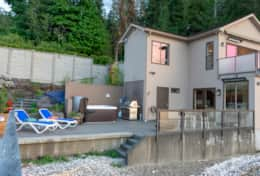 Luxury Lookout Hood Canal Vacation Rental outdoor patio